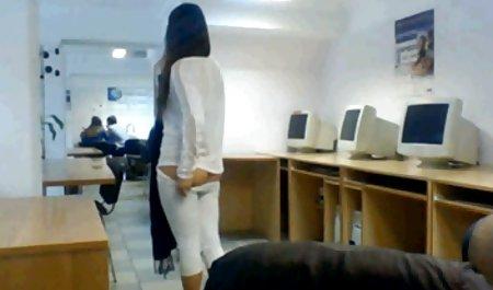 یک مرد انجام می دهد یک زن کانال تلگرام پر از فیلم سکسی در خیانت.